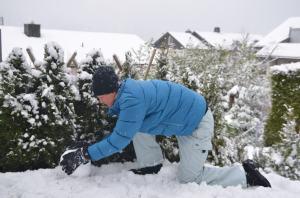 Building a snowman_3