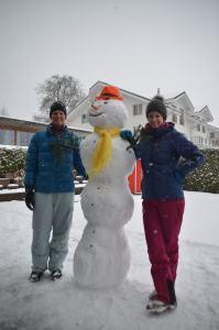 Building a snowman_32