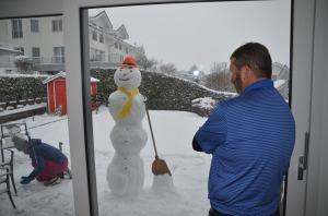 Building a snowman_37