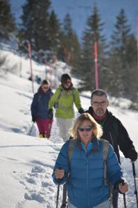 Snow-shoe hiking_11