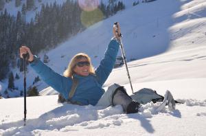 Snow-shoe hiking_16