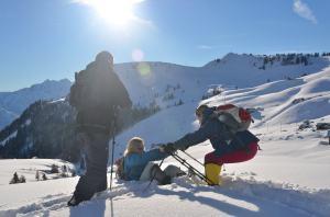 Snow-shoe hiking_18